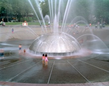 05_JadeDoskow_Seattle_Fountain
