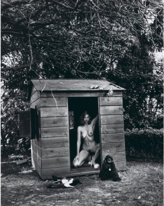 Helmut-Newton_Domestic-Nude-470x590