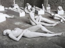 Vanessa-Beecroft_VB62_042-590x441