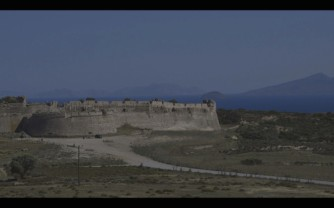 Frame-video-Andrea-Cossu-Kos-672x420