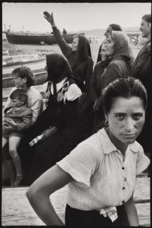 2_Leonard-Freed_Napoli_1956_©-Leonard-Freed-Magnum-Brigitte-Freed-400x600