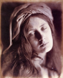 Study_of_Beatrice_Cenci,_by_Julia_Margaret_Cameron