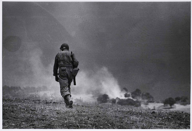 Robert Capa 937; 536.WAR.ITA.032; 43-4-28; 1943