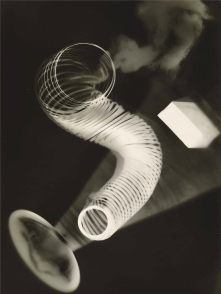man_ray_1922_untitled_rayograph