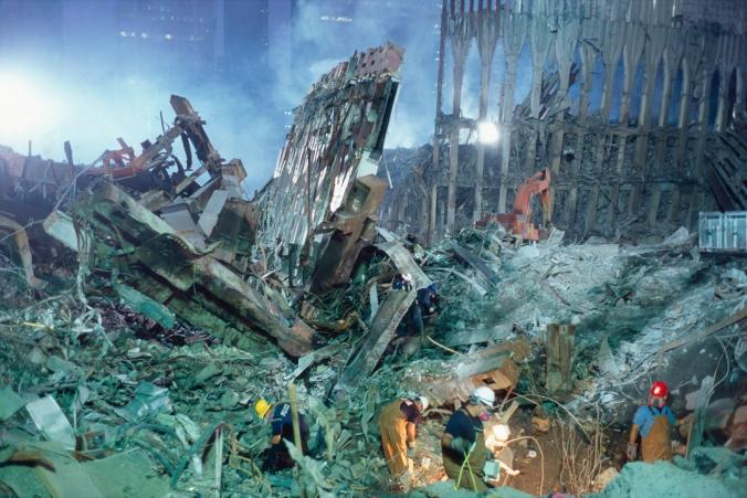 joel_meyerowitz_searchers_in_rubble.jpg
